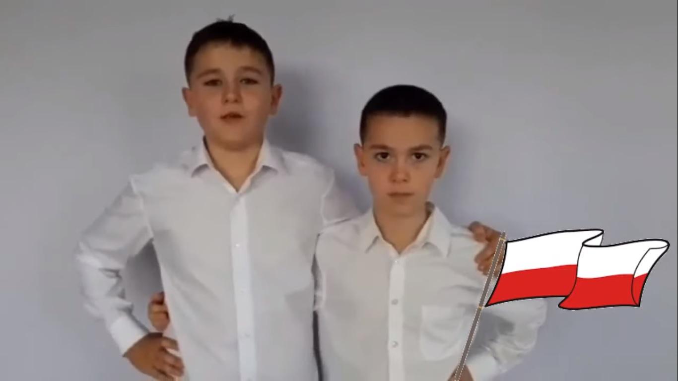 Program artystyczny z okazji Narodowego Święta Niepodległości w wykonaniu uczniów PSP w Zbroszy Dużej